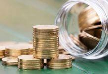 how insurance company makes money